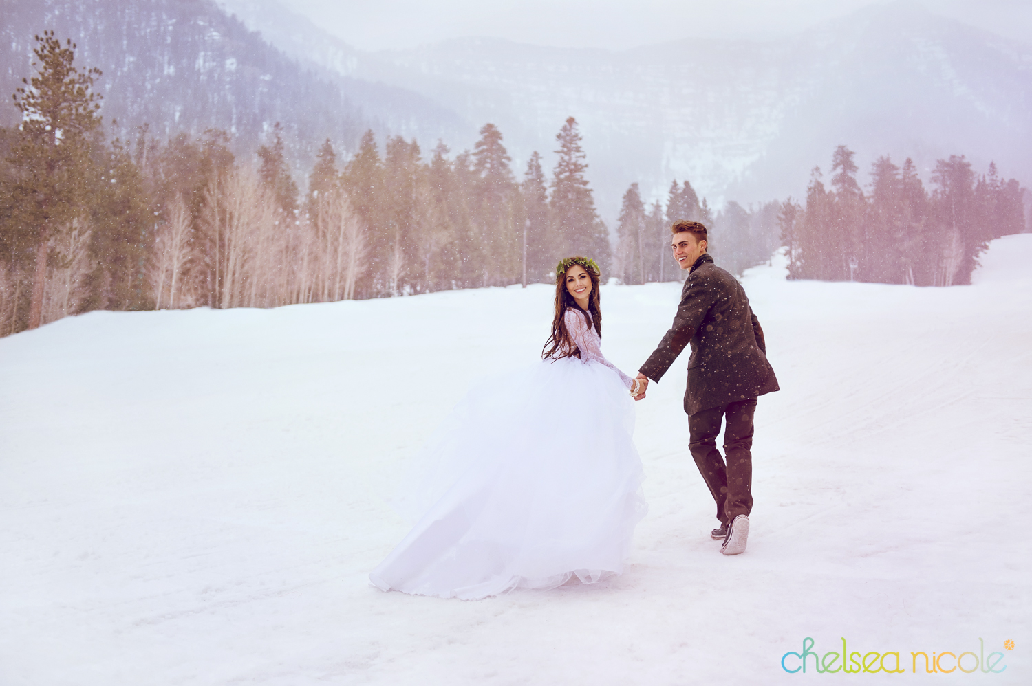 Winter wonderland wedding at Las Vegas Ski and Snowboard Resort from Chelsea Nicole Photography