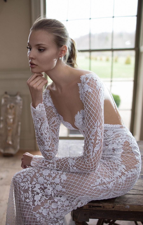 Berta-Bridal-Wedding-Dresses-Fall-Winter-2016-Bridal-Collection-00013