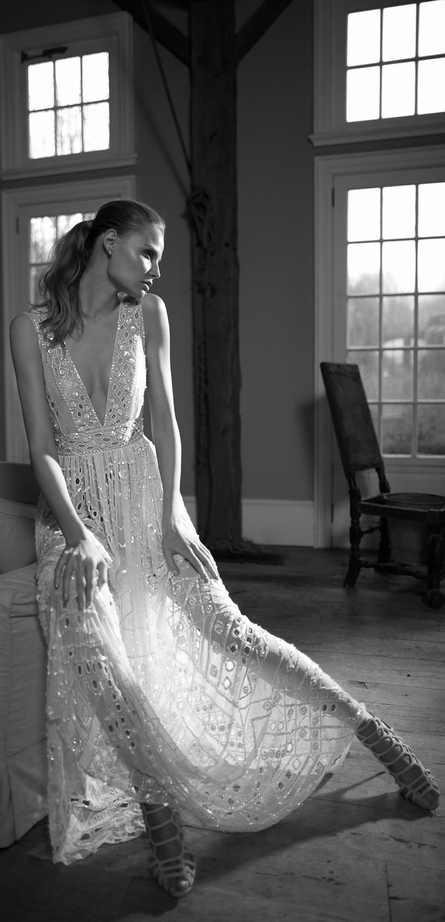Berta-Bridal-Wedding-Dresses-Fall-Winter-2016-Bridal-Collection-00026
