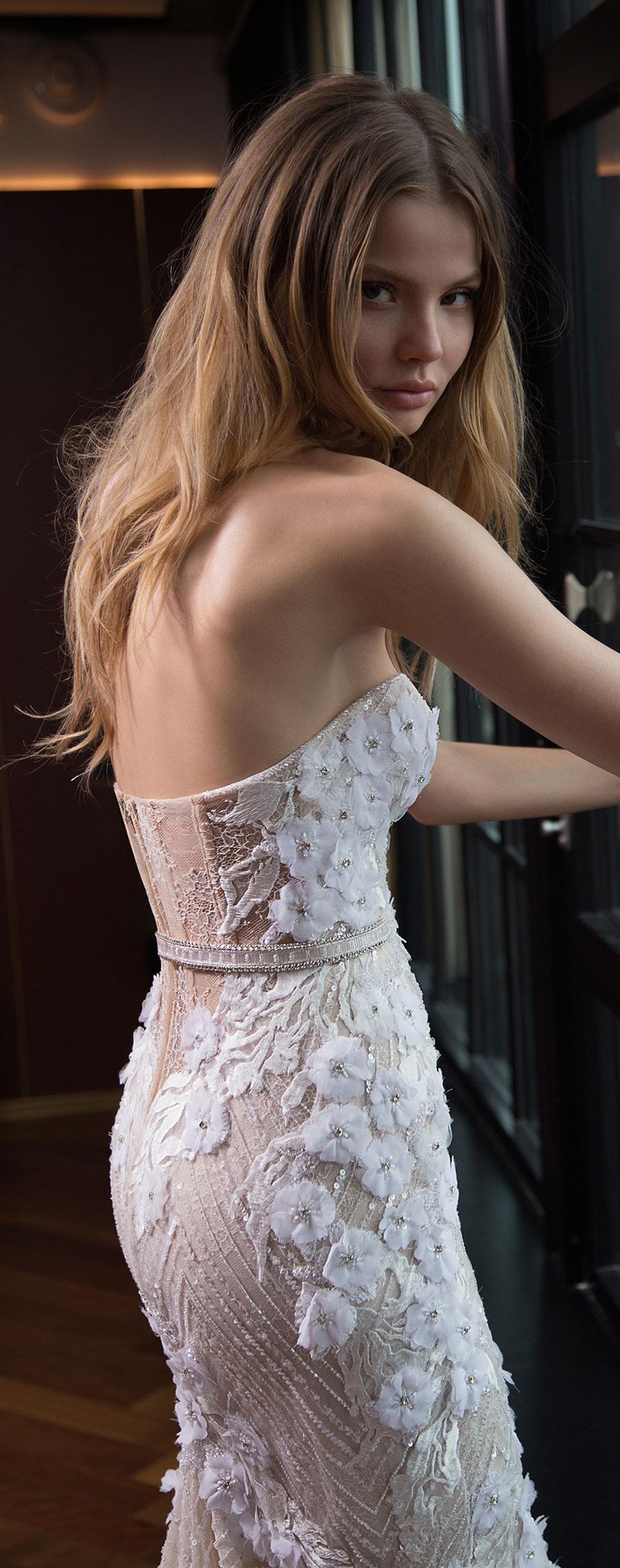 Berta-Bridal-Wedding-Dresses-Fall-Winter-2016-Bridal-Collection-00030