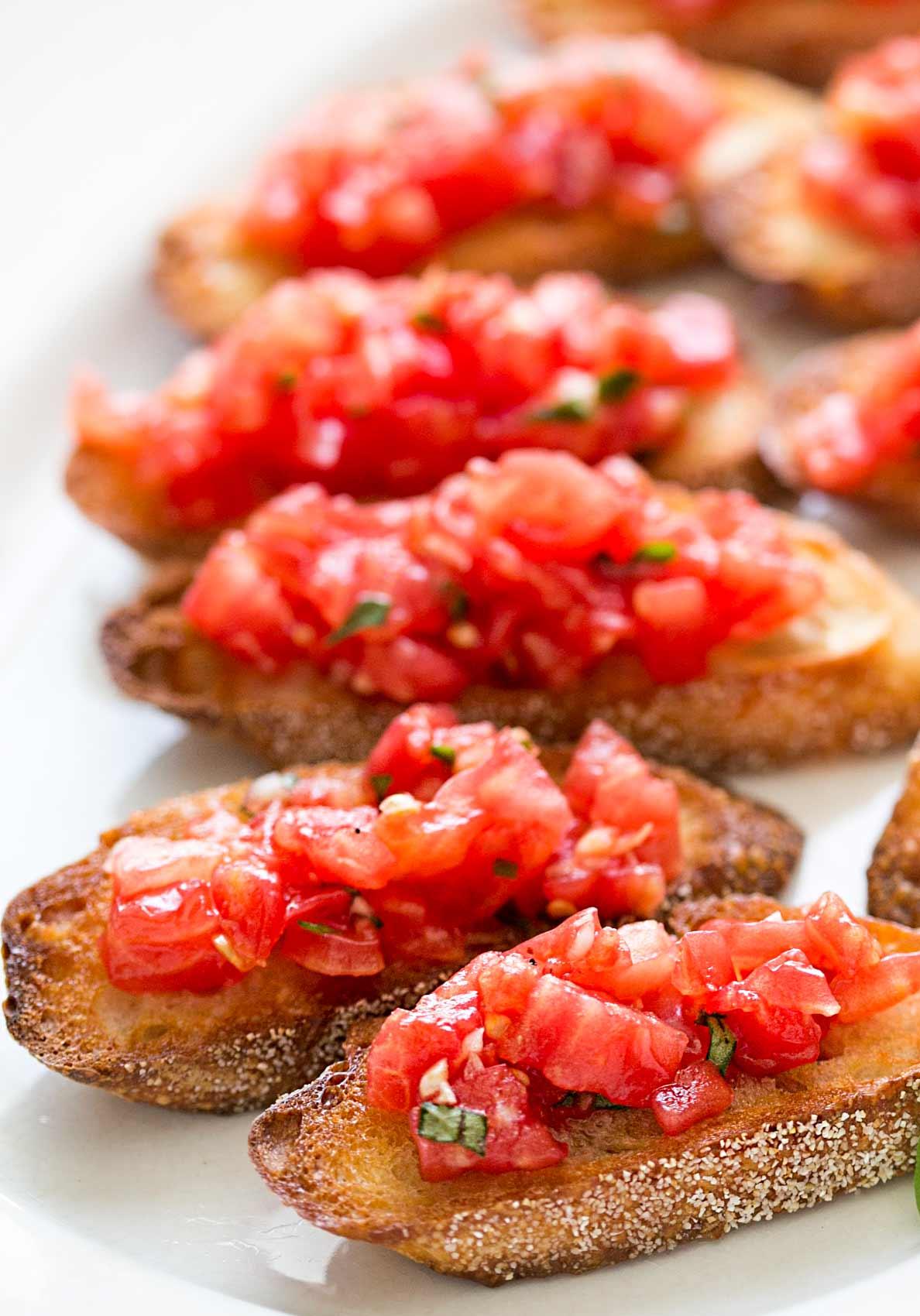 bruschetta-tomato-basil-vertical-a-1188