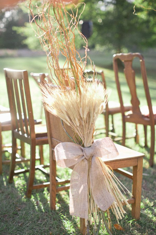 rustic-fall-burlap-wheat-wedding-aisle-decor