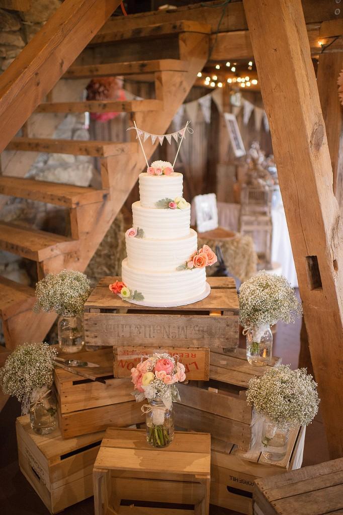 rustic-wedding-cake-decoration-ideas-682x1024