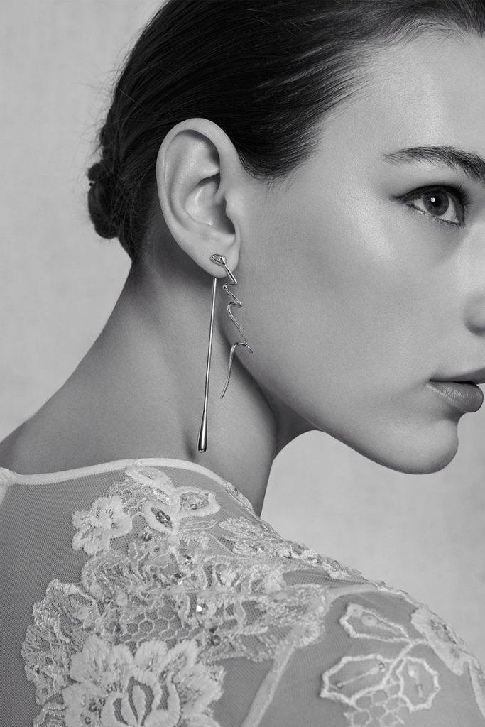 Elie-Saab-Bridal-Spring-2018-Wedding-Gown-Dress-Fashion-Inspiration-02