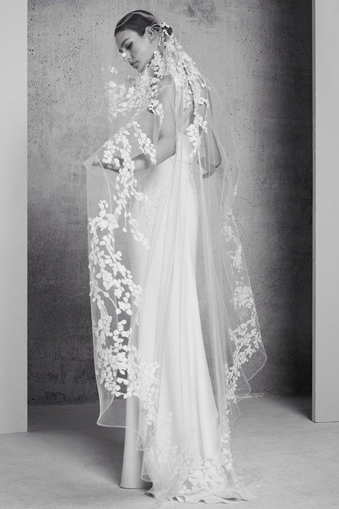 Elie-Saab-Bridal-Spring-2018-Wedding-Gown-Dress-Fashion-Inspiration-04