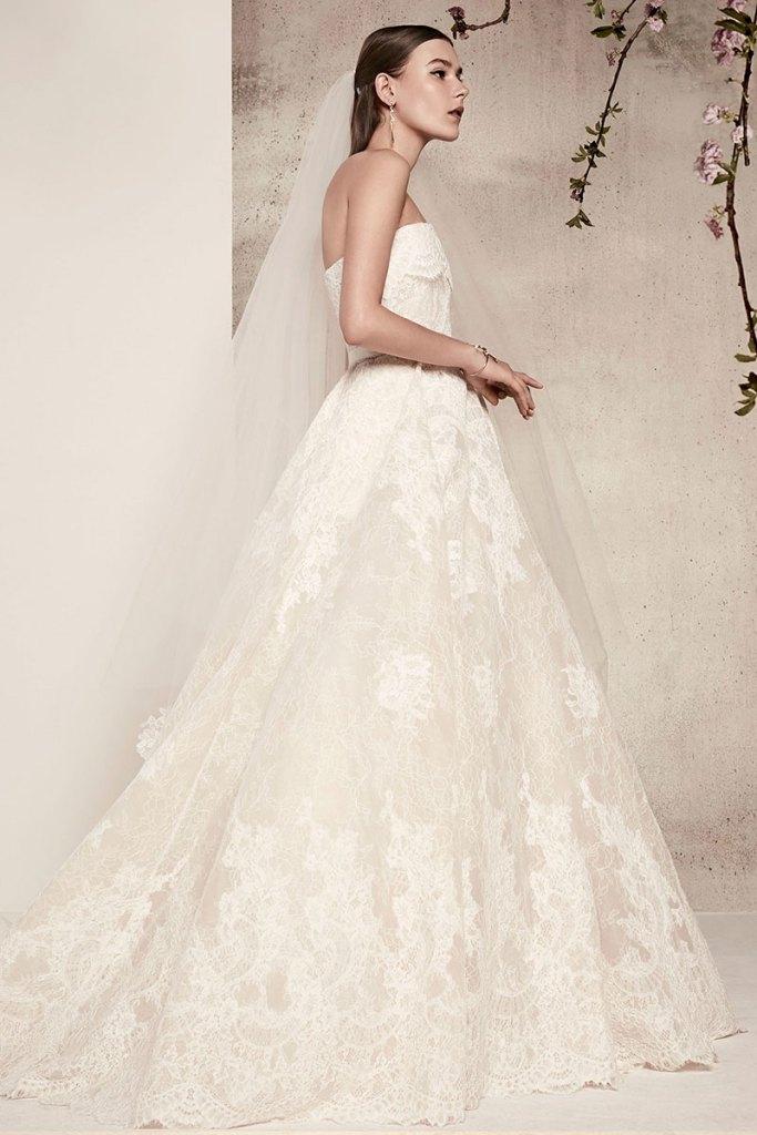 Elie-Saab-Bridal-Spring-2018-Wedding-Gown-Dress-Fashion-Inspiration-07
