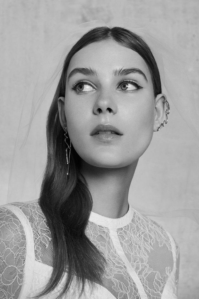 Elie-Saab-Bridal-Spring-2018-Wedding-Gown-Dress-Fashion-Inspiration-09
