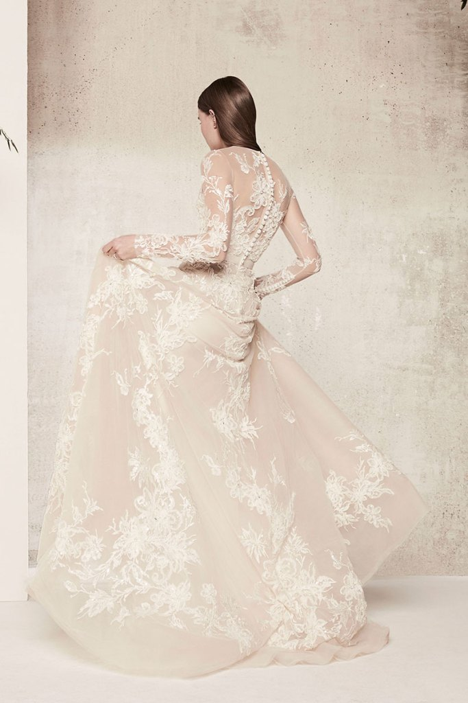 Elie-Saab-Bridal-Spring-2018-Wedding-Gown-Dress-Fashion-Inspiration-10