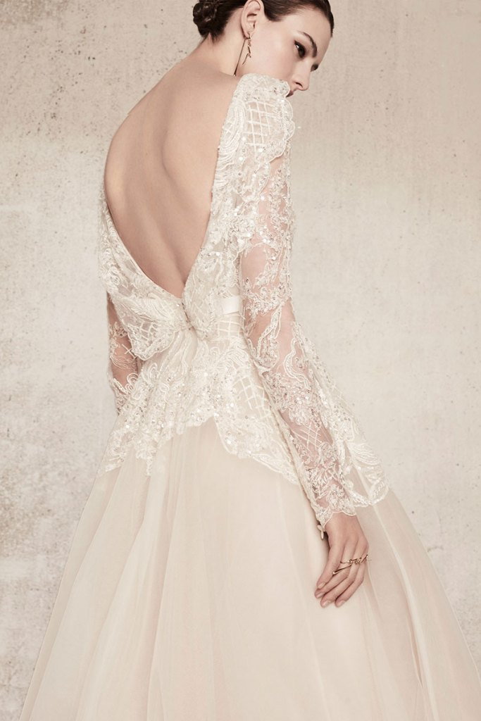 Elie-Saab-Bridal-Spring-2018-Wedding-Gown-Dress-Fashion-Inspiration-14