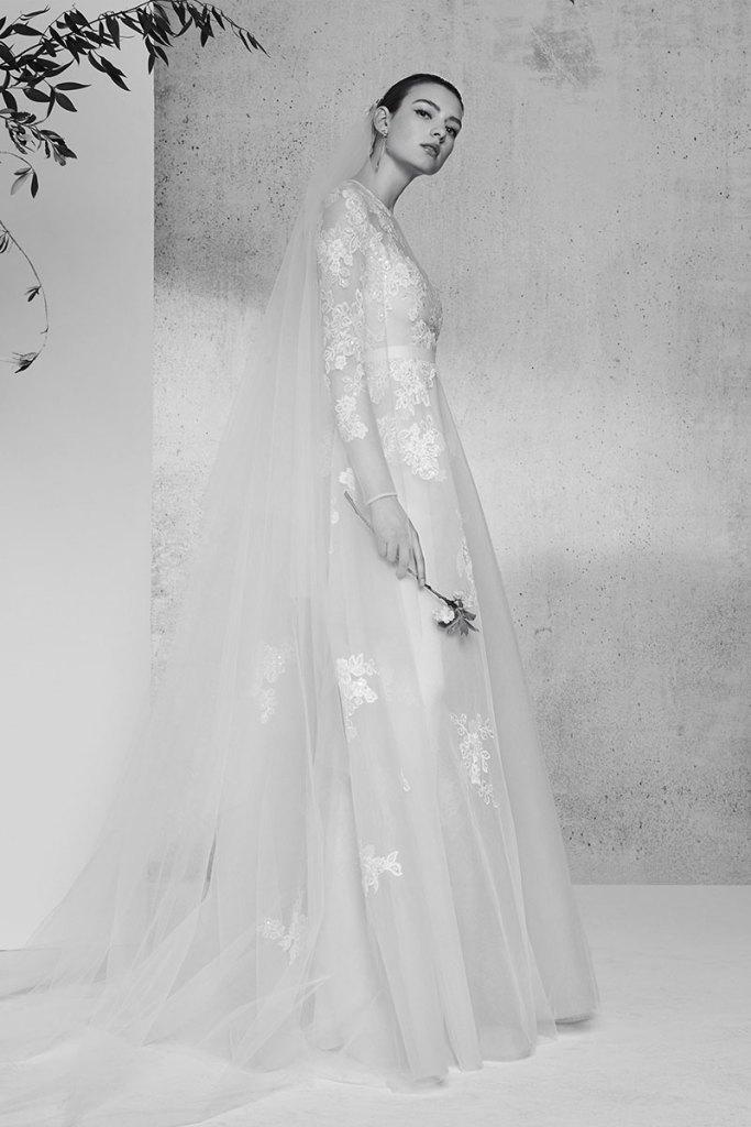 Elie-Saab-Bridal-Spring-2018-Wedding-Gown-Dress-Fashion-Inspiration-16