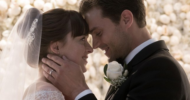 fifty-shades-freed-wedding-dress-lead
